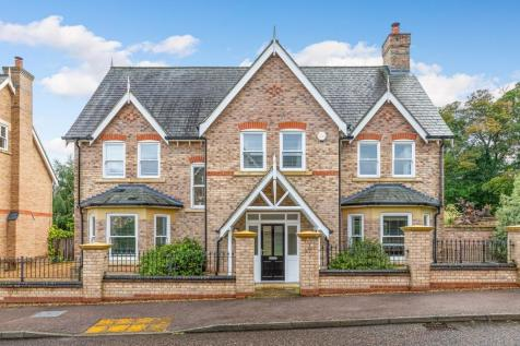 Shaftesbury Drive, Fairfield, Hitchin, Herts SG5 4FS. 5 bedroom detached house for sale