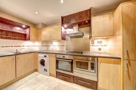 Dolphin House, Smugglers Way, Wandsworth, SW18. 3 bedroom apartment