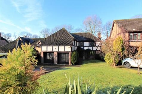 Cowdray Park Road, Bexhill on Sea, East Sussex. 5 bedroom detached house for sale