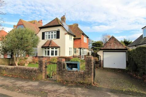 Sutherland Avenue, Bexhill on Sea, East Sussex. 4 bedroom detached house for sale