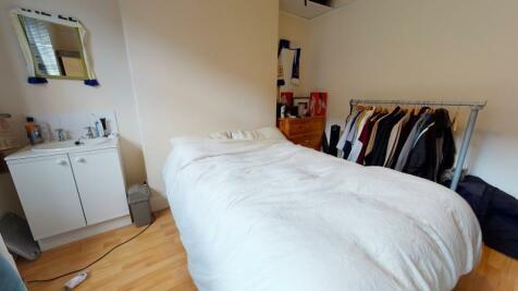 Lumley Avenue, Burley, Leeds. 5 bedroom terraced house