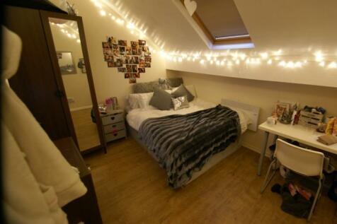 North Grange Mount, Hyde Park, Leeds. 10 bedroom terraced house