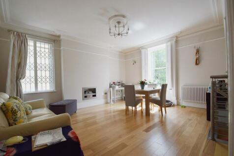 Eldon Square, Reading. 2 bedroom apartment