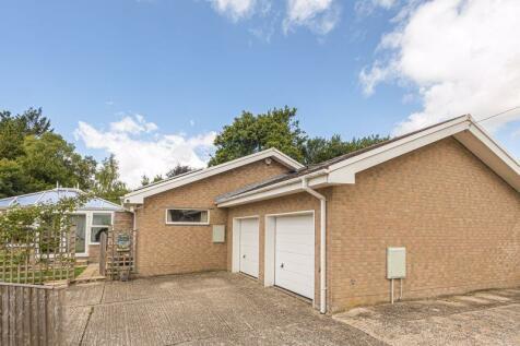 Lime Close, Dorchester. 4 bedroom detached bungalow
