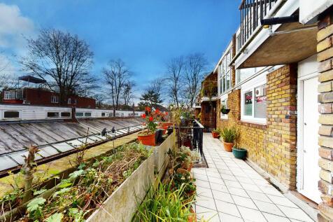 Longford Walk, Tulse Hill. 3 bedroom apartment