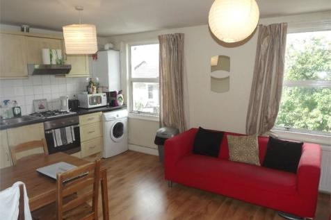 Santley Street, London. 4 bedroom flat