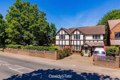 Marshalswick Lane, St Albans, Hertfordshire. 4 bedroom detached house
