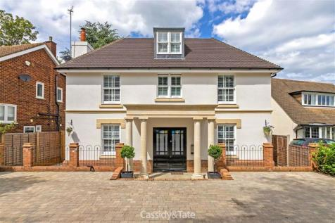 Marshalswick Lane, St Albans, Hertfordshire. 5 bedroom detached house for sale