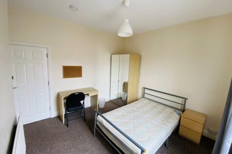 St Margaret Road. 3 bedroom terraced house
