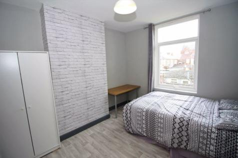 Student Proeprty .. Victoria Road, Middlesbrough. 5 bedroom terraced house