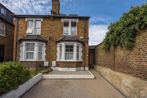 The Bittoms, Kingston upon Thames, KT1. 3 bedroom semi-detached house