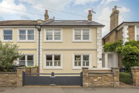 Grove Lane, Kingston upon Thames, KT1. 4 bedroom semi-detached house
