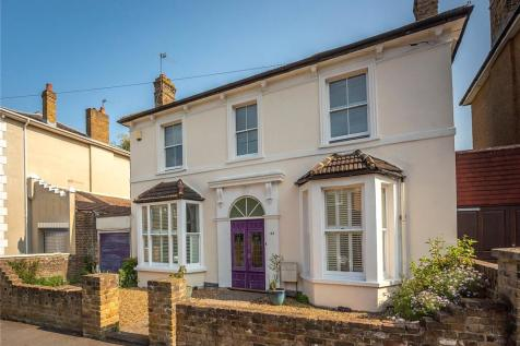 Grove Crescent, Kingston upon Thames, KT1. 4 bedroom detached house for sale