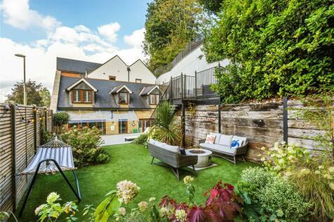 Riverside, Millbrook, Guildford, Surrey, GU1. 4 bedroom house for sale