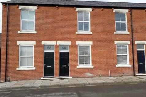 16 Waverley Street, Middlesbrough, North Yorkshire, TS1. 2 bedroom town house