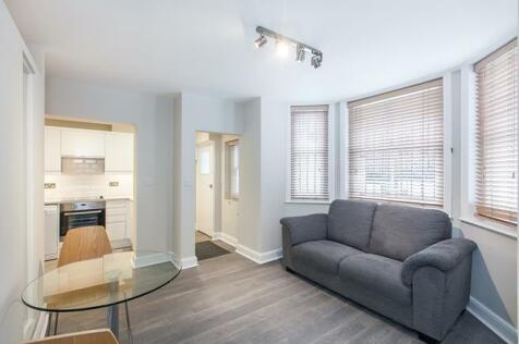 Ladbroke Grove, Notting Hill, W11. Studio flat