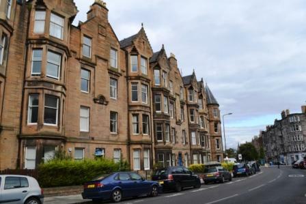 Marchmont Crescent, Marchmont, Edinburgh, EH9. 3 bedroom flat