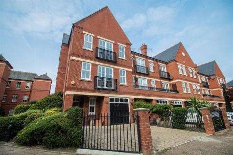 Charming Townhouse, Repton Park. 4 bedroom town house