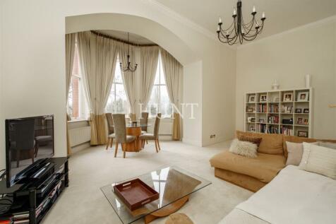 Tavistock House, Rosebury Square, Repton Park. 2 bedroom apartment