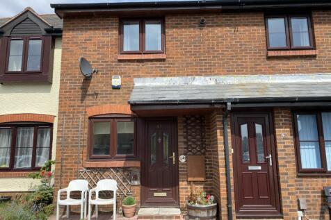 Vallis Close, Baiter Park, Poole, Dorset, BH15. 2 bedroom terraced house