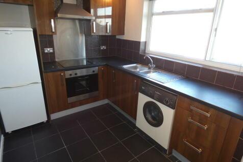 Hotoft Road, Humberstone. 2 bedroom flat