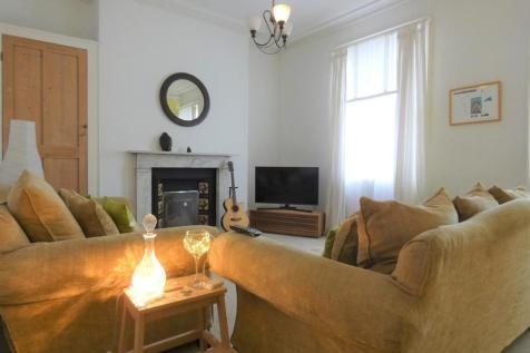 Tower Street, Off Welford Road, City Centre. 3 bedroom town house