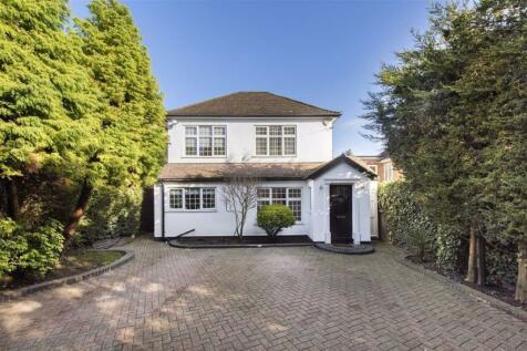 Hendon Wood Lane, Mill Hill. 3 bedroom house