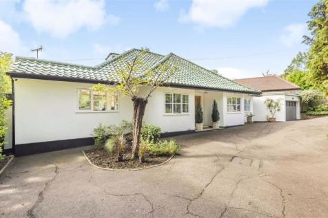 Highwood Hill, Mill Hill. 4 bedroom detached bungalow
