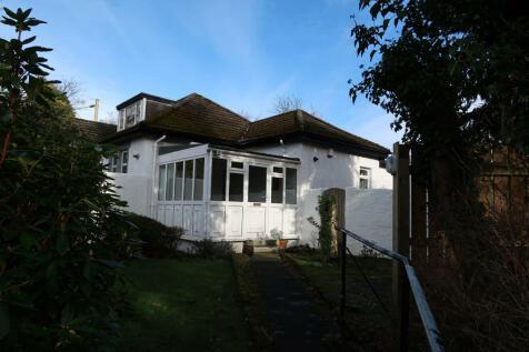 Carmunnock Road, Kingspark. 2 bedroom semi-detached bungalow