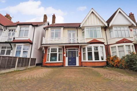 Crowstone Avenue, Westcliff-On-Sea. 5 bedroom semi-detached house for sale