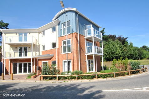 St Annes Drive, Redhill. 2 bedroom apartment