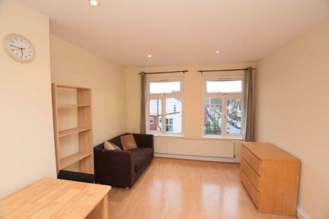Finchley Road, Golders Green, London. 2 bedroom flat