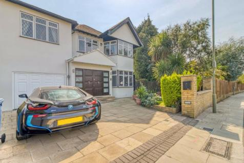 Edgeworth Crescent, Hendon, London. 6 bedroom detached house