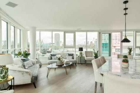 St George Wharf, Vauxhall, London, SW8. 3 bedroom flat for sale