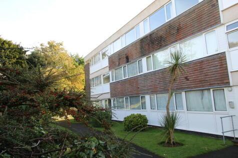 Barton Road, Torquay. 2 bedroom apartment