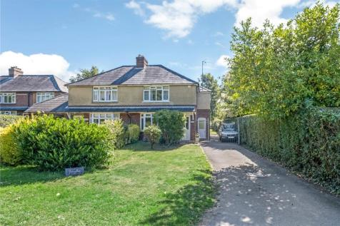 New Road, Timsbury, Romsey, Hampshire, SO51. 3 bedroom semi-detached house