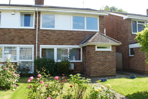 Hollyford, Billericay. 4 bedroom semi-detached house
