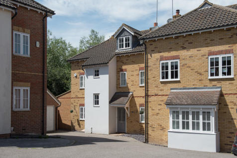 Prower Close, Billericay. 4 bedroom semi-detached house