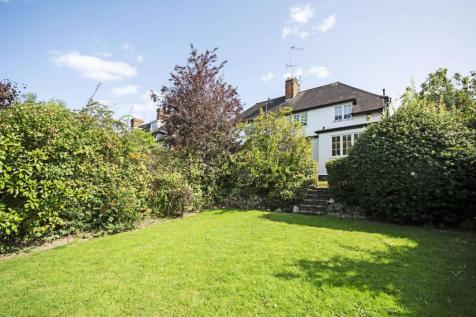 Hill Rise, Hampstead Garden Suburb, London, NW11. 3 bedroom house