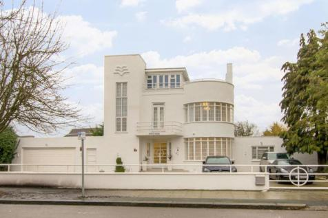 Downage, Hendon, London, NW4. 6 bedroom house