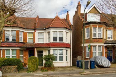 Dollis Park, Finchley, London, N3. 2 bedroom flat