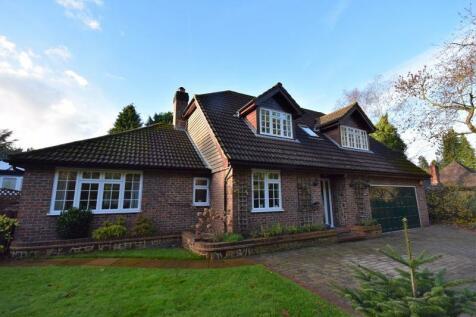 Tilford Road, Farnham. 4 bedroom detached house for sale