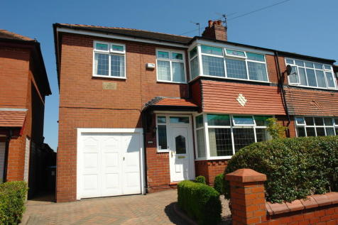 Birch Avenue, Chadderton, Oldham. 4 bedroom semi-detached house