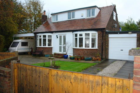 Norley Close, Chadderton. 3 bedroom detached bungalow for sale