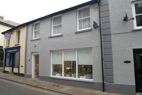 Bank House, Brecon, Powys.. 1 bedroom flat
