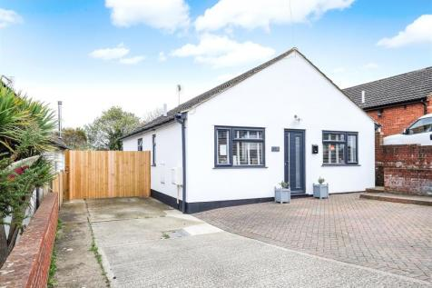 Valkyrie Avenue, Whitstable. 4 bedroom detached bungalow for sale