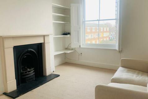 Lauriston Road, Victoria park village, E9. 2 bedroom flat