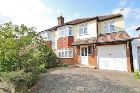 Lulworth Avenue, Osterley. 4 bedroom semi-detached house