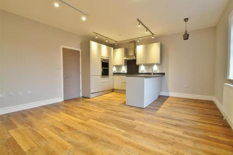 South Street, Old Isleworth. 2 bedroom flat