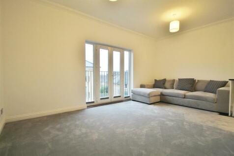 White Lodge Close, Isleworth. 1 bedroom apartment